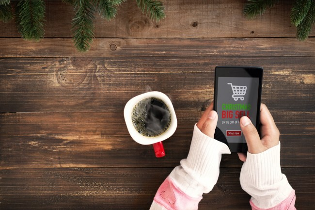 Why Retailers Need to Focus on Mobile Shoppers This Holiday Season