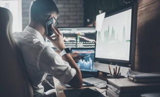 ESSENTIAL SKILLS TO INVESTING LIKE A PRO