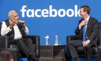 India's Prime Minister Narendra Modi (L) and Mark Zuckerberg