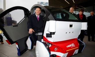 Driverless car photo-call in England